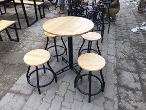 Bàn ghế cafe cóc tròn