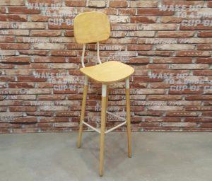Ghế quầy bar bằng gỗ