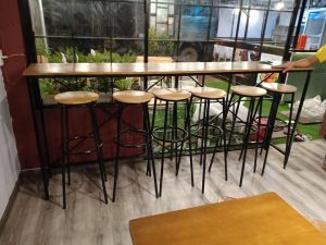 Ghế quầy bar mặt gỗ chân sắt 03