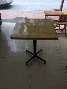 Bàn cafe chân tròn mặt vuông 60×60
